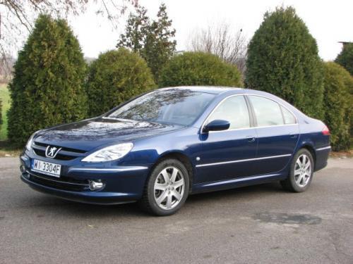 Fot. Maciej Pobocha: Model 607 to flagowy samochód Peugeota. Jak przystało na auto segmentu D, pojazd jest komfortowy.