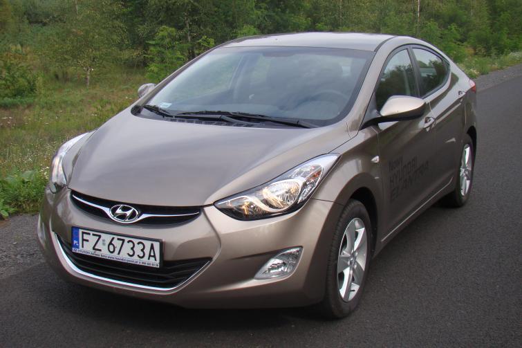 Hyundai Elantra: duże auto za rozsądną cenę