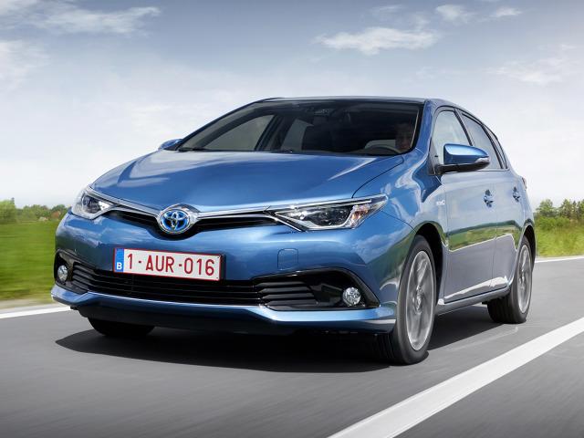 Jednostka napędowa kompaktowej Toyoty składa się ze sprawdzonego, wolnossącego silnika o pojemności 1.8 l i mocy 99 KM oraz silnika elektrycznego. Łączna moc układu to 136 KM / Fot. Toyota