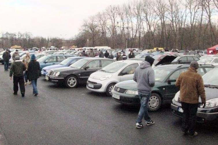 Giełda samochodowa w Bydgoszczy (26.02) - ceny aut używanych