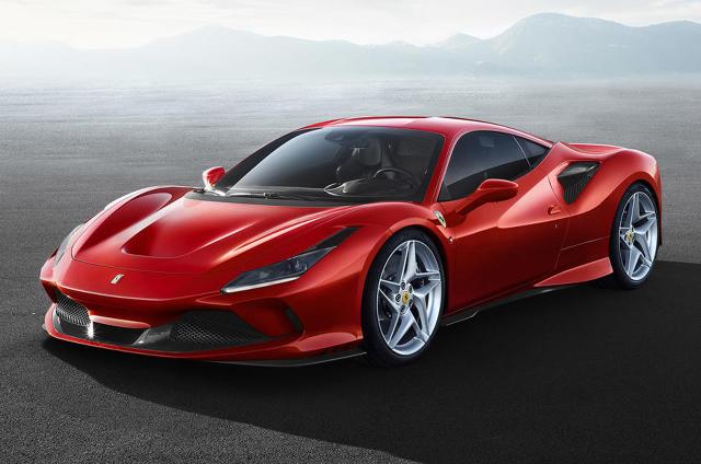 Ferrari F8 Tributo   Samochód mierzy 4611 mm długości, 1979 mm szerokości i 1206 mm wysokości. Oznacza to, że jest dłuższy, szerszy i niższy. Masa Ferrari F8 Tributo to 1330 kg.  Fot. Ferrari