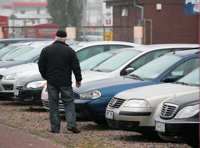Spadło zainteresowanie sprowadzanymi samochodami