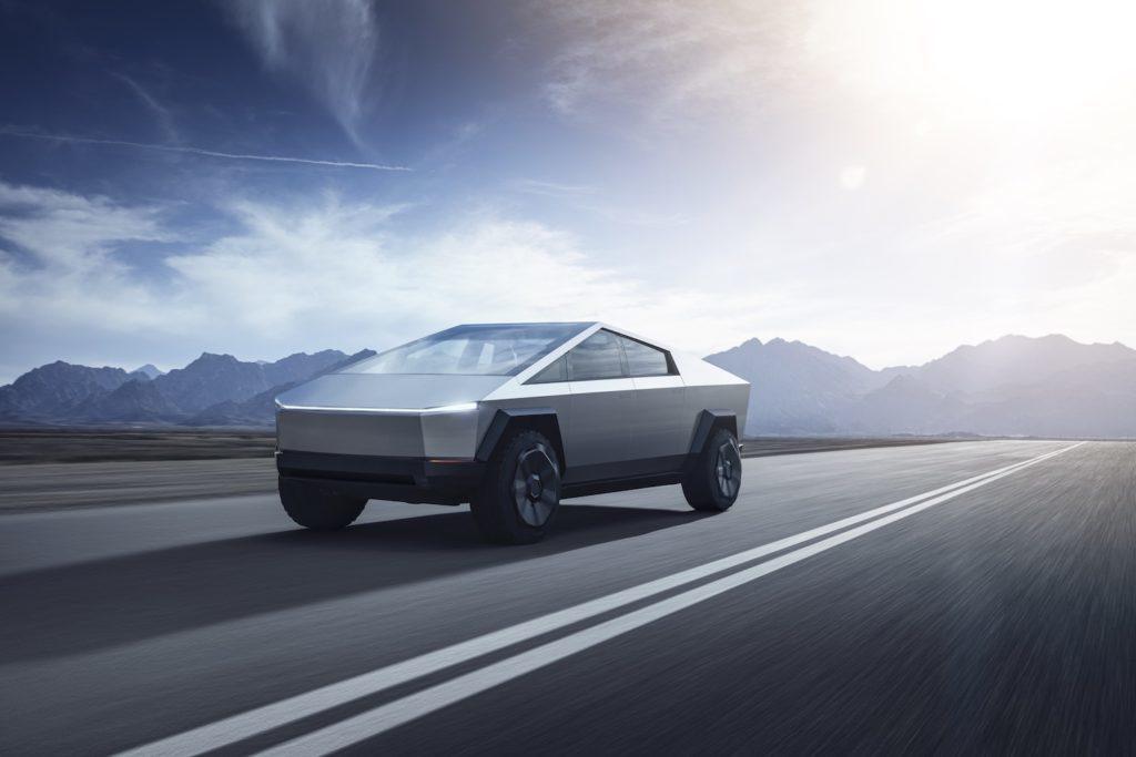 Tesla Cybertruck   Najtańsza odmiana to wydatek 39 900 dolarów, natomiast najdroższy wariant z trzema elektrycznymi silnikami, to koszt rzędu 69 900 dolarów. Przewidziano jeszcze taką posiadającą dwa silniki - kosztuje 49 900 dolarów.   Fot. Tesla