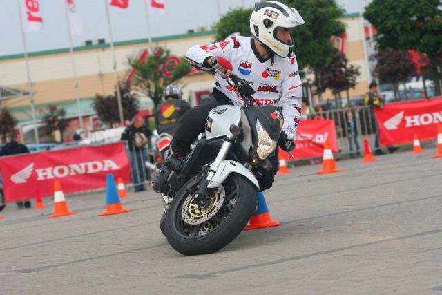 Honda Gymkhana 2012 - podejmij wyzwanie i wygraj skuter Honda PCX