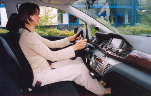 Bardzo ergonomicznie opracowane miejsce kierowcy.