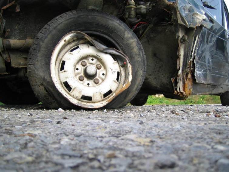 Sprawca wypadku uciekł - jak wywalczyć odszkodowanie? Poradnik