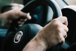 Zgubne nawyki kierowców. To może uszkodzić samochód