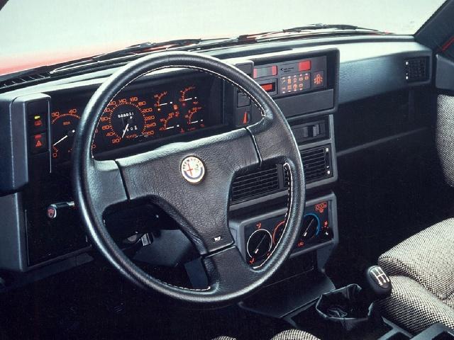 zdjęcie Alfa Romeo 75 Turbo (1987)