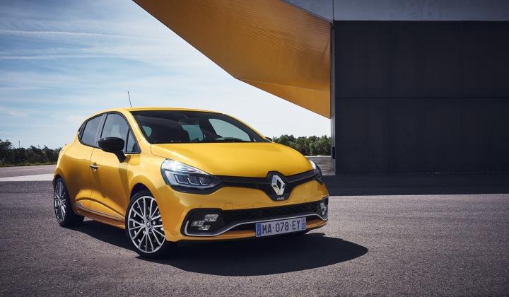 Renault Clio R.S.   Rozwiązaniem zainspirowanym samochodem koncepcyjnym Clio R.S.16 jest układ wydechowy opracowany przez firmę Akrapovič.   Fot. Renault