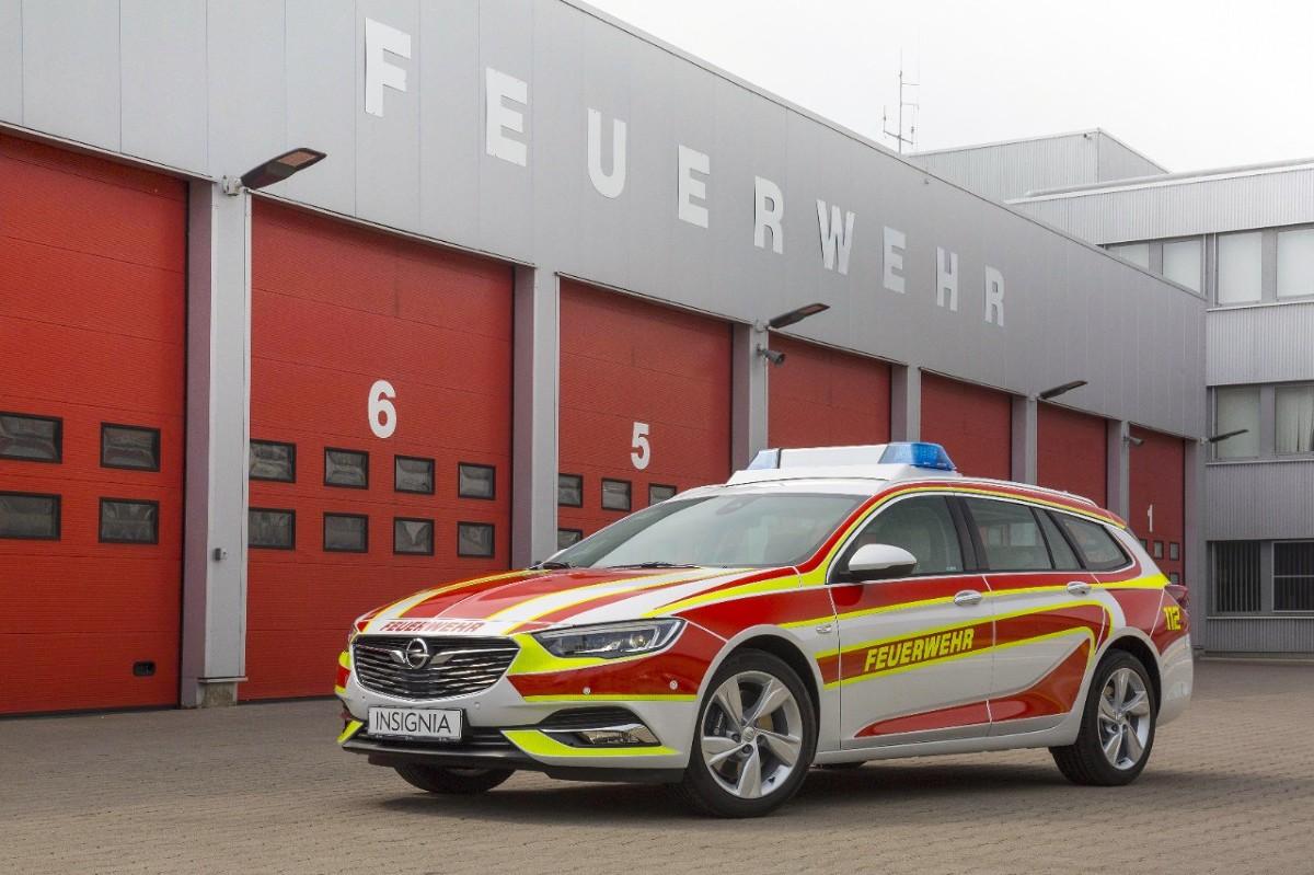 Opel insignia sports tourer insignia sports tourer wyposa ona jest w specjalny system sygnalizacyjny a tak e