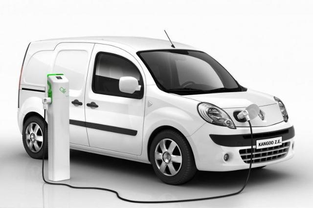 Renault i Nissan rozdały 100 elektrycznych aut do testów