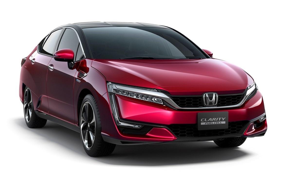 Honda Clarity Fuel Cell  Od września 2016 roku, Honda Clarity Fuel Cell będzie oferowana także w Europie – w ograniczonej liczbie egzemplarzy – w ramach projektu HyFIVE realizowanego w Wielkiej Brytanii i Danii.   Fot. Honda