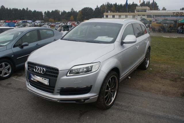 Giełdy samochodowe w Kielcach i Sandomierzu (13.11) - ceny i zdjęcia