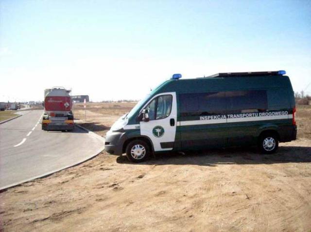 Inspekcja Transportu Drogowego kontroluje przewóz towarów niebezpiecznych