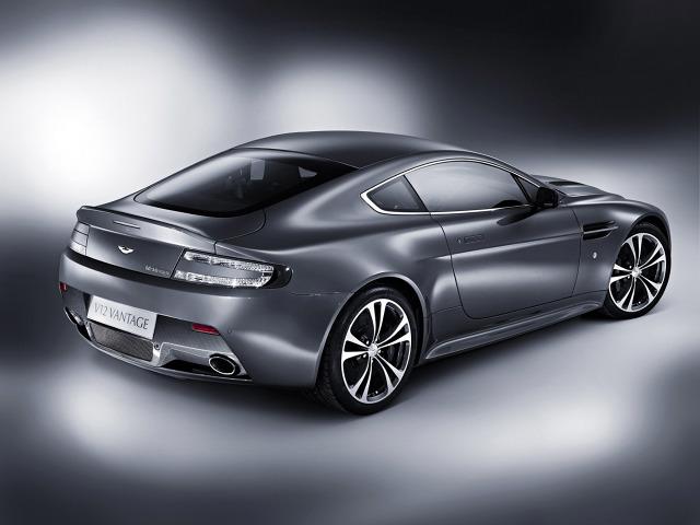 zdjęcie Aston Martin V12 Vantage