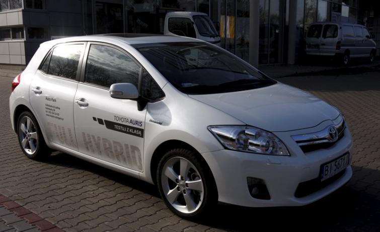 Testujemy: Toyota Auris HSD - cyborg na kołach