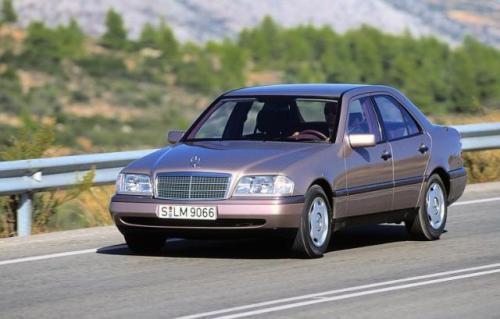 Fot. Mercedes-Benz: Mercedes-Benz klasy C produkowany w latach 1993- 1997.