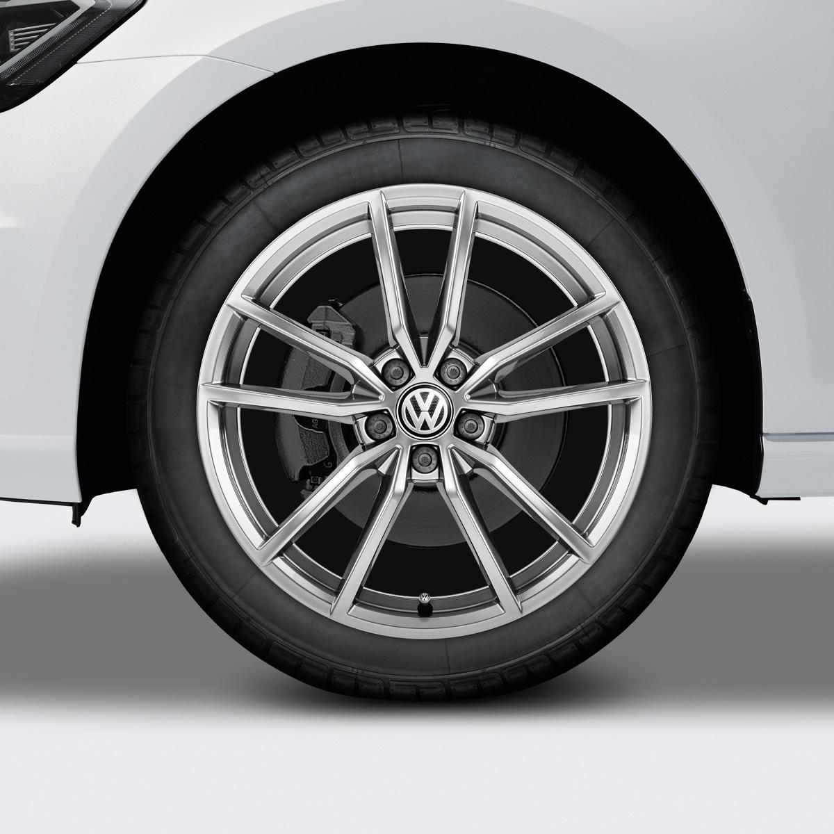 W pierwszym półroczu 2019 roku w Europie najlepiej sprzedawał się VW Golf wynika z zestawienia firmy Jato.  Fot. Archiwum