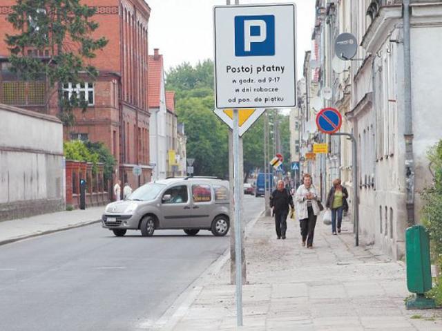 Strefa parkowania w miejscu gdzie parkować... nie można