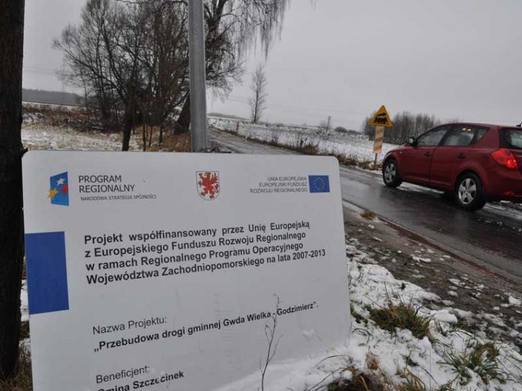 Droga z przerwą pod Szczecinkiem. Asfalt dorobią później