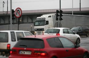 Kodeks drogowy. Gdzie i kiedy nie można zawracać?