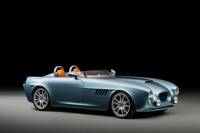 Bristol Bullet   Za napęd odpowiada silnik z BMW. To 4.8-litrowa jednostka V8 dostarczająca 370 KM mocy napędzająca tylne koła. Do 100 km/h Bristol Bullet przyspiesza w 3,8 s, natomiast prędkość maksymalna wynosi ponad 250 km/h  Fot. Bristol