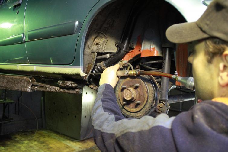 Zabezpieczenia antykorozyjne auta: Rust Check i inne. Poradnik