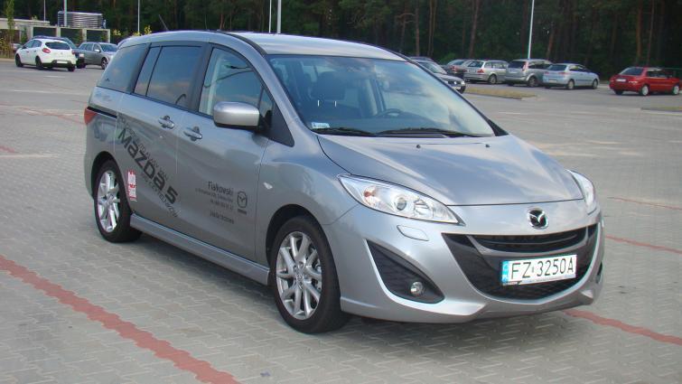 Testujemy: Mazda 5 - rodzinny van w ładnym opakowaniu