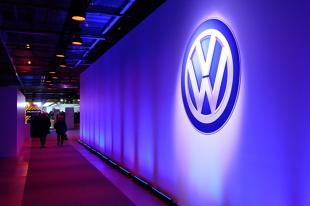 Volkswagen w ogniu krytyki. Przeprasza za testy na małpach i ludziach (video)
