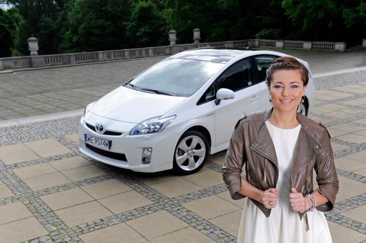 Idealny samochód dla kobiet - zobacz czym jeżdżą gwiazdy