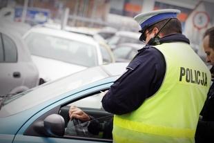 Kodeks drogowy 2019. Niezapięte pasy. Kto płaci mandat - kierowca czy pasażer?