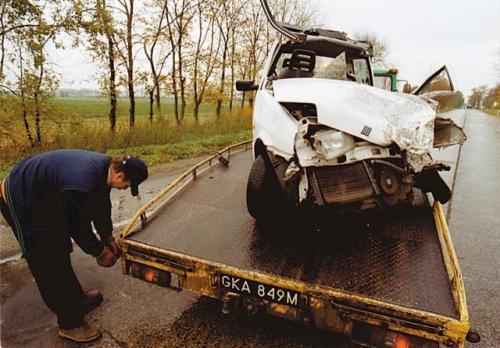Fot. Archiwum: Samochody, które należy wycofać z eksploatacji, będą poddawane złomowaniu i recyklingowi w punktach tworzących sieć na terenie całej Polski