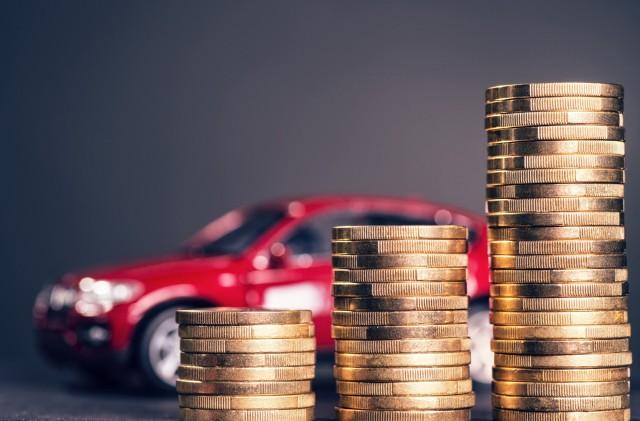 Powszechnie wiadomo, że za tą samą kwotę autem z instalacją zrobimy więcej kilometrów, niż na benzynie. Czy dieslem również? Czy koszt założenia instalacji nie pochłonie naszych oszczędności? W końcu, ile realnie uda nam się oszczędzić? W tym artykule znajdziesz odpowiedzi na wszystkie pytania odnośnie oszczędności na LPG.   Fot. materiały partnera zewnętrznego