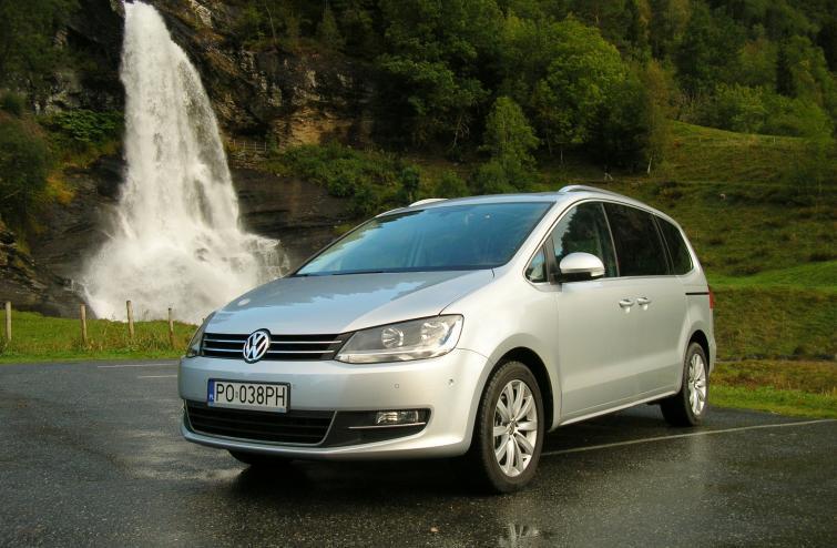 Testujemy: Volkswagen Sharan 2.0 TDI DSG - van na dalekie wyprawy