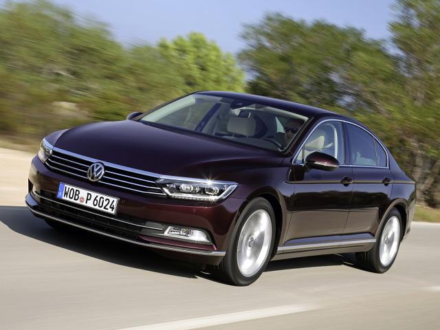 Volkswagen zmaga się ze skutkami tzw. afery spalinowej. W dwóch niemieckich fabrykach wstrzymano produkcję Passata / Fot. Volkswagen