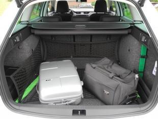 Wyjazd na urlop. Jak bezpiecznie umieścić bagaż w samochodzie?