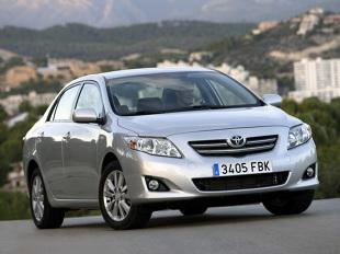 Toyota Corolla X (2006 - 2013). Auto warte polecenia?