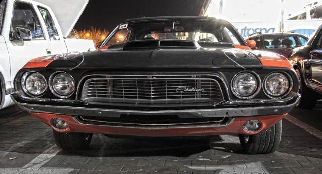 Nocny zlot fanów klasycznych samochodów. Zobacz zdjęcia
