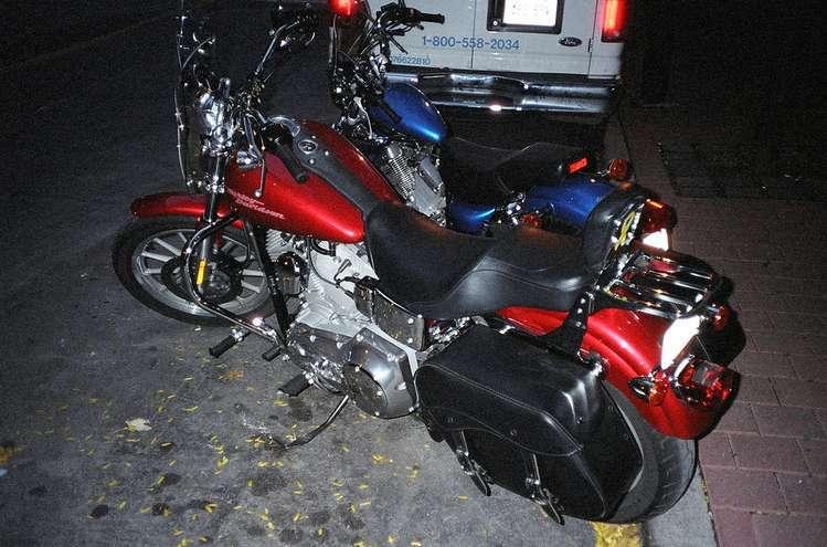 Motocyklistów możemy podzielić na tych, którzy jazdę na jednośladach rozpatrują w kategoriach sportowo-wyczynowych oraz na tych, którzy używają motocykli do tego, aby zwiedzać najdalsze zakamarki naszej planety. Dzisiejszy artykuł będzie dedykowany dla motocyklowych obieżyświatów, którzy nie wyobrażają sobie sezonu bez żadnej dalszej wyprawy na swoim ukochanym jednośladzie.