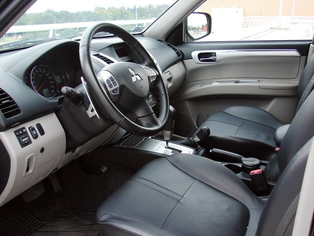 zdjęcie Mitsubishi Pajero Sport 2.5 DI-D