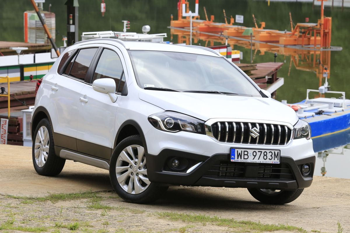 suzuki sx4 s cross facelifting z turbo. Black Bedroom Furniture Sets. Home Design Ideas
