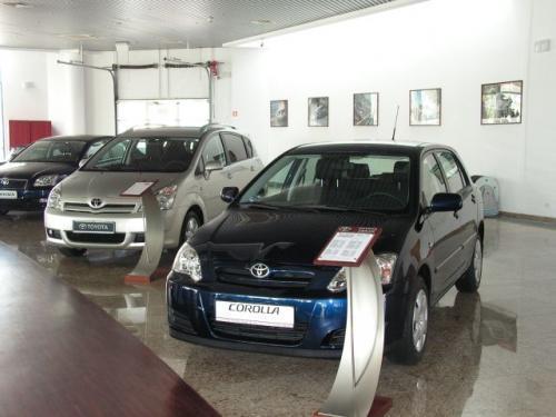 Fot. M.Pobocha: Od początku roku do końca kwietnia najwięcej nowych samochodów osobowych sprzedała w Polsce Toyota.
