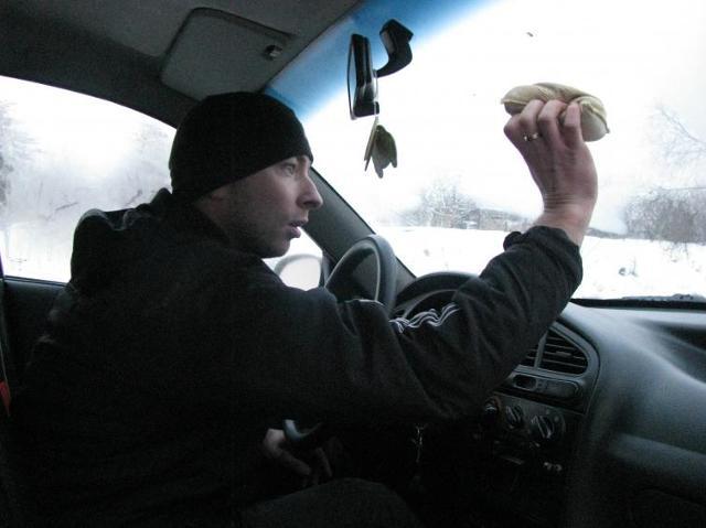 Gąbka nie rozwiązuje problemu zaparowanych szyb w samochodzie