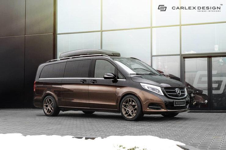 Z zewnątrz zdecydowano się na połączenie zcarnego i brązowego lakieru. Podobne połączenie kolorystyczne możemy dostrzec również w kabinie pojazdu / Fot. Carlex Design