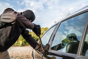 Jak się ochronić przed kradzieżą auta?