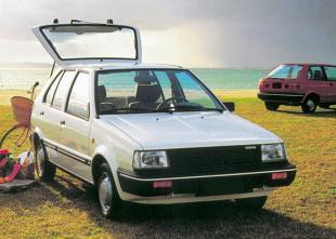 Nissan Micra I (1982 - 1992) Hatchback