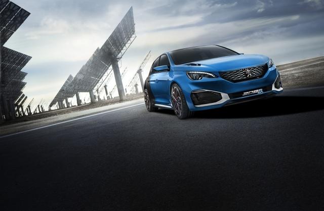 Dział Peugeot Sport opracował hybrydową odmianę Peugeota 308 R. Moc 500 KM pod maską pozwala przyspieszyć do 100 km/h w 4 s / Fot. Peugeot