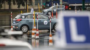 Prawo jazdy. Czy egzamin praktyczny można zdawać własnym autem?