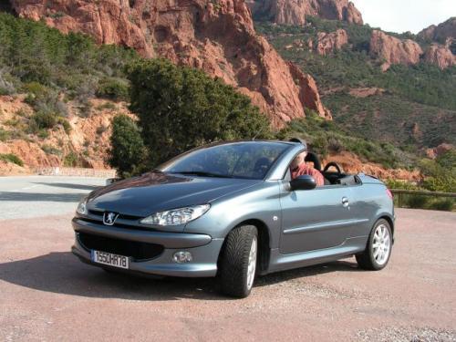 Fot. R. Polit: Peugeot 206 CC to dwa samochody w jednym – coupe lub kabriolet.