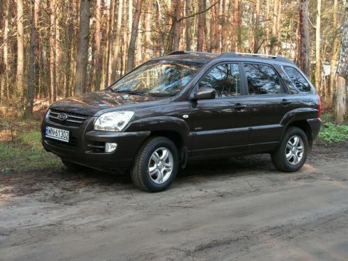 Fot. Ryszard Polit: Kia Sportage II generacji to pojazd rekreacyjno-terenowy blisko spokrewniony z Hyundaiem Tusconem.
